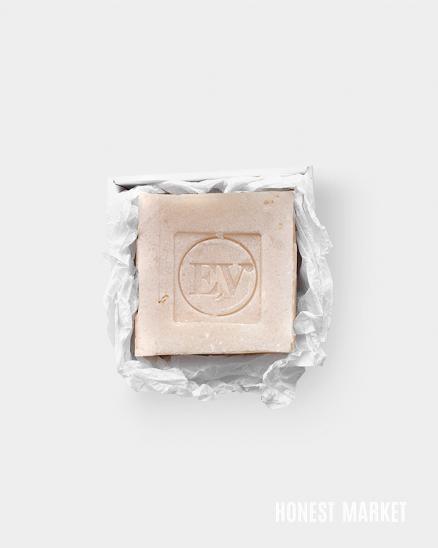 Ručně vyráběné mýdlo Rich - růže, mandle, geranium